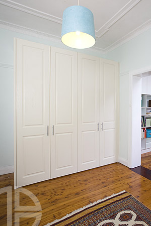 Brooklyn-Thermoform white Ash Hinged Doors