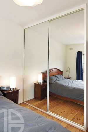 Frameless - Mirrored doors