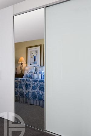 Frameless white glass/mirror